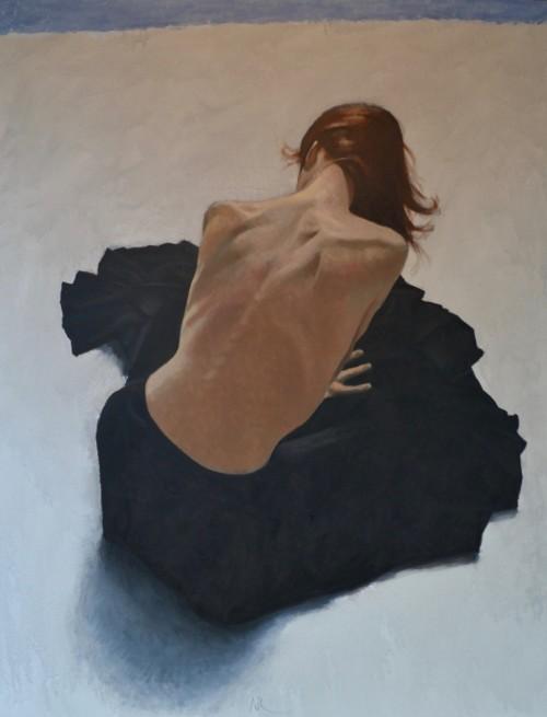 Vrouw zittend op de grond (in optie)