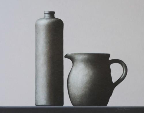 Compositie kan, kruik in grijs