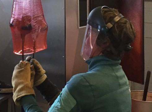 Op bezoek bij glaskunstenaar Bibi Smit
