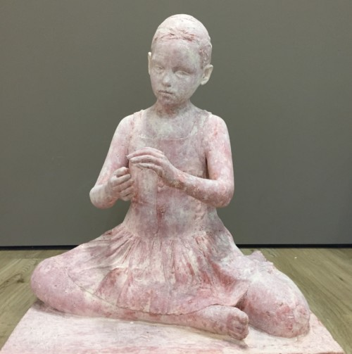 Girl, sitting (resin)