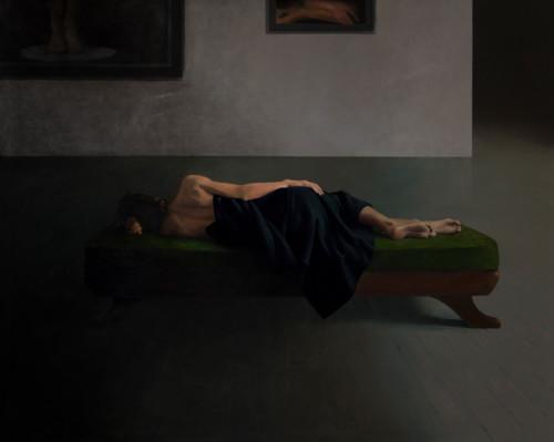 Vrouw op divan